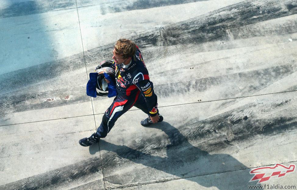 Sebastian Vettel tras haber abandonado en Monza