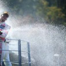 Fiesta del champán en el podio del GP de Italia 2012