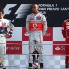 Hamilton, Pérez y Alonso en el podio del GP de Italia 2012