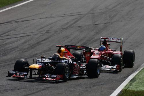 Lucha entre Sebastian Vettel y Fernando Alonso en Monza