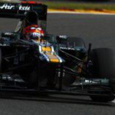 Heikki Kovalainen conduce el CT01 durante los Libres 3 del GP de Bélgica