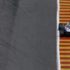 Pastor Maldonado en la lucha por la pole position en Spa