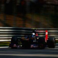 Jean-Eric Vergne estuvo a punto de caer en la Q1 en Italia