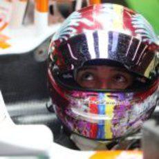 El piloto venezolano Rodolfo González con Force India