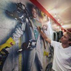 Nico Rosberg firma sobre su anuncio