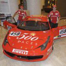 Alonso y Massa en un acto de Shell en Singapur
