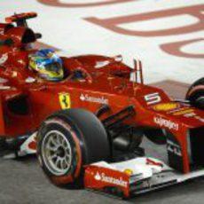 Fernando Alonso rueda con los superblandos en Marina May
