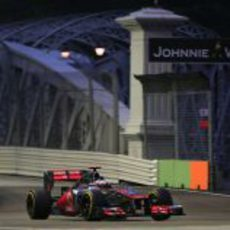 Jenson Button tuvo problemas con el MP4-27 en Marina Bay