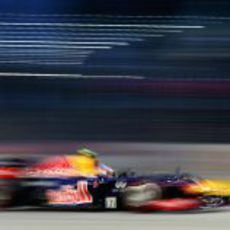 Mark Webber 'vuela' durante los terceros libres del GP de Singapur
