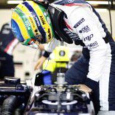 Bruno Senna se sube al FW34
