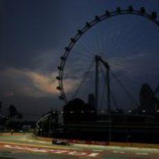 La noria de Singapur y Pastor Maldonado