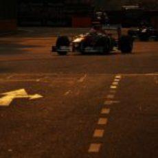 Paul di Resta y Heikki Kovalainen, en penumbra
