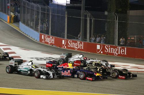 Cuatro en paralelo en la salida del GP de Singapur