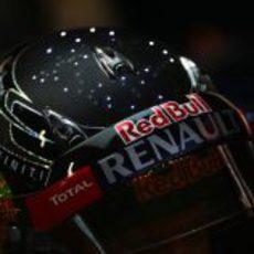 Detalle del casco con LEDs de Sebastian Vettel