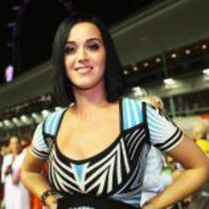 Katy Perry en la parrilla del GP de Singapur 2012
