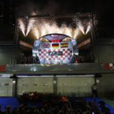 Fuegos artificiales en el podio del GP de Singapur 2012