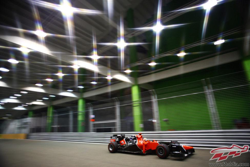 Las luces brillan para Timo Glock