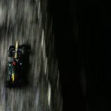 Heikki Kovalainen asalta Singapur con Caterham