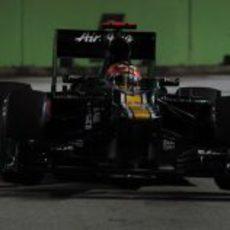 Heikki Kovalainen atraviesa una chicane