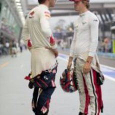 Jean-Eric-Vergne charla con Charles Pic