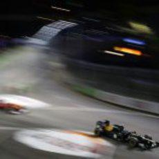 Vitaly Petrov rueda en el Gran Premio de Singapur