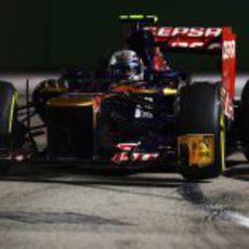 Jean-Eric Vergne rueda en el Gran Premio de Singapur