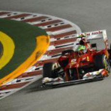 Felipe Massa prueba los blandos en Singapur