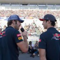 Vergne y Ricciardo ante la afición de Suzuka