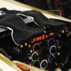 Volante del F112 de HRT en Japón 2012