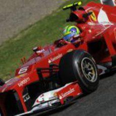 Felipe Massa brilla en los libres