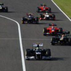 Bruno Senna por delante de los equipos de atrás