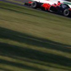 Timo Glock avanza en carrera con su MR01