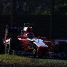 El MR01 de Charles Pic no completó las 53 vueltas del GP de Japón