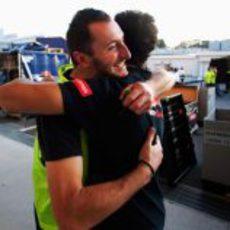Un abrazo para Daniel Ricciardo