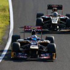 Jean-Eric Vergne y Kimi Räikkönen en Suzuka