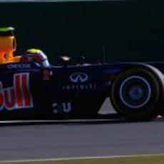 Mark Webber prueba los neumáticos blandos en Corea