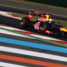 Sebastian Vettel lideró los segundos libres en Corea