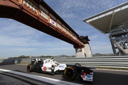 Sergio Pérez exprime el C31 en el circuito de Yeongam