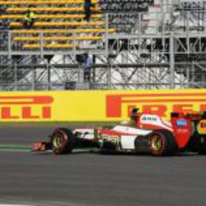 Narain Karthikeyan se subió al F112 en los Libres 2 del GP de Corea 2012