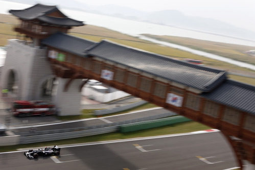 Pastor Maldonado en la recta de meta del circuito de Corea