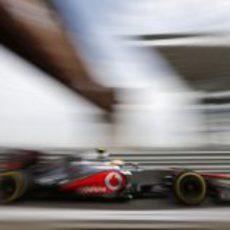 Lewis Hamilton entra en el pit-lane del circuito de Yeongam