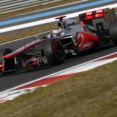 Jenson Button exprime los superblandos en la Q2 de Corea