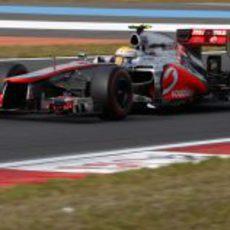 Lewis Hamilton pilota su McLaren en la clasificación de Corea 2012