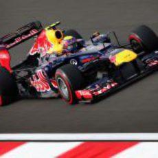 Mark Webber vuela con los superblandos para conseguir la pole
