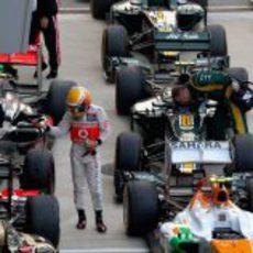 Lewis Hamilton derrotado tras acabar la carrera de Corea 2012