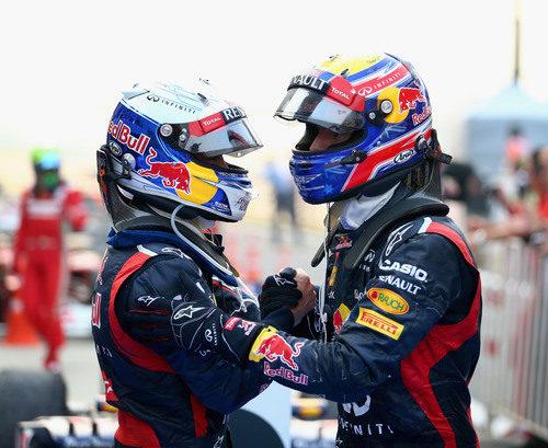 Vettel y Webber se abrazan tras el doblete en Corea 2012
