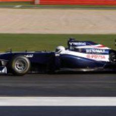 Susie Wolff pilota el FW33 en Silverstone