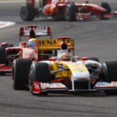 Alonso está delante de Massa