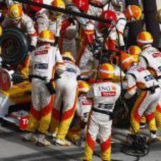 Alonso hace una parada