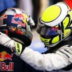Vettel y Button se felicitan